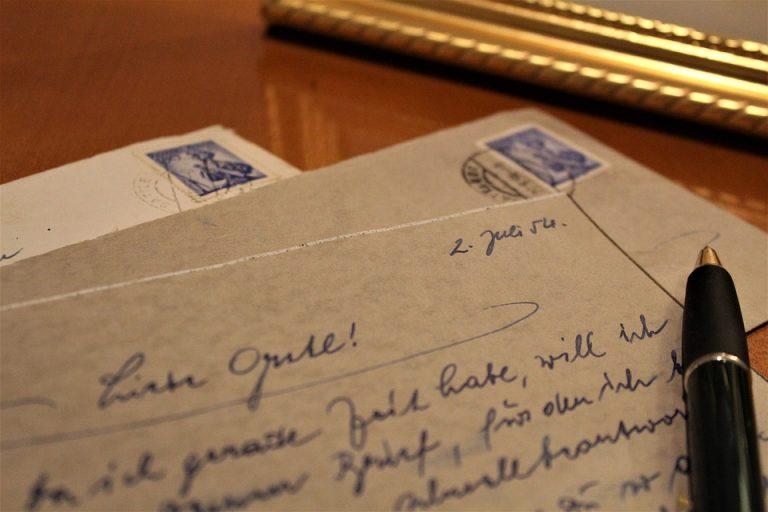 An Intelligent Love Letter