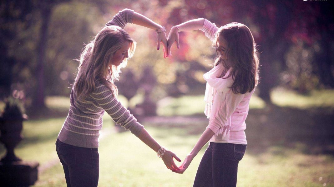 Support A Friend Through Difficult Times